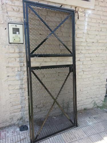 Puerta de maya malla c marco y contramarco herreria - Mallas de hierro ...