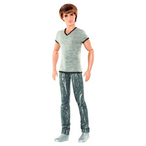 Barbie Ryan Fashionistas Con Remera Gris