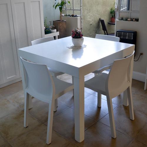 Juego de comedor madera mesa laqueada cuadrada con sillas for Precios de mesas para comedor