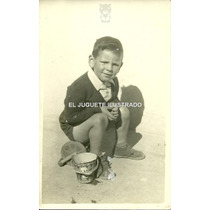 Foto Niño Balde Lata Pluto Disney Circa 1940 Antiguo Juguete