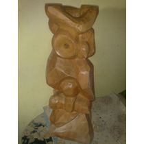 Antigua Escultura De Madera Hecha En Palo Rosado