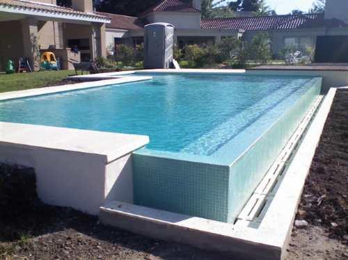 Piletas natacion en hormigon piscinasaguaviva for Construccion de piletas de material