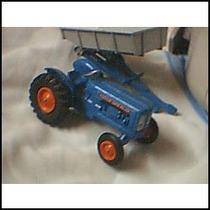 Tractor Fordson Con Acoplado De Lesney King Size