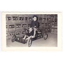 Foto Auto Juguete Antiguo Con Niños Coca Cola