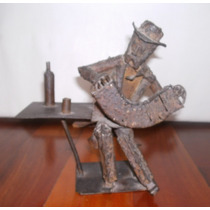 Escultura De Hierro De Marjan Grum Bandoneonista