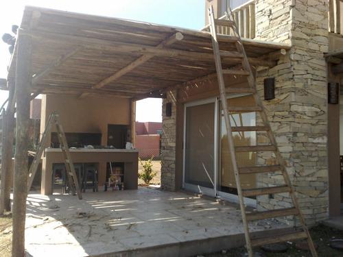 Colocacion o cerramientos d ca as de bambu pergolas for Techos rusticos para galerias