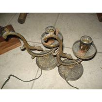Par De Veladores Antiguos De Metal En Palermo