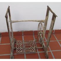 Antiguo Pie Maquina De Coser En Hierro Y Chapa, A Restaurar