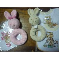 Babero + Sonajero Tejido A Crochet