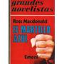 El Martillo Azul. Ross Macdonald.