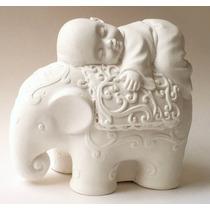 Buda Bebe Sobre Elefante (buda Del Buen Descanso). Yeso.