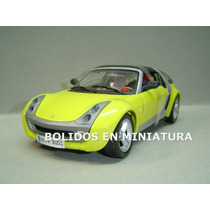 Smart Roulete Coupe - Color Amarillo - Burago 1/18