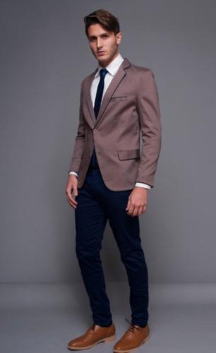 Traje Entallado C  Pantalon Chupin Camisa Entallada Corbata. Precio    4500  Ver en MercadoLibre 30f53fcac4c
