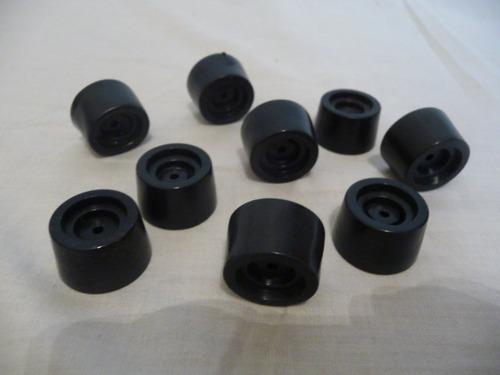 Regatones patas taco plasticas para muebles sillones puff for Patas para sillones