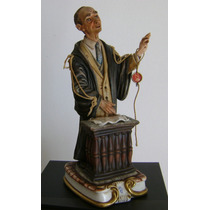 Italia Porcelana Capodimonte Figura De El Abogado