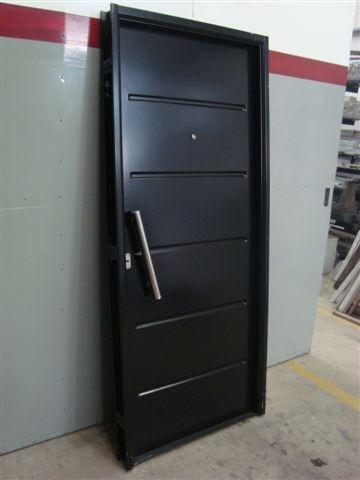 Puerta doble chapa inyectada con barral de acero for Cuanto sale una puerta