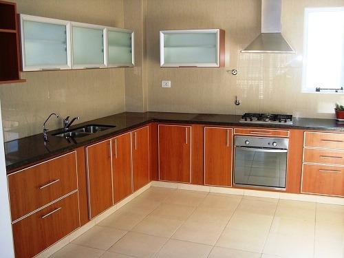 Muebles de cocina c cantos de aluminio bajo mesada for Cocinas integrales en aluminio