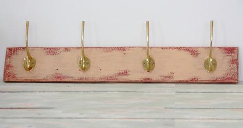 Perchero reciclado madera de pallets ganchos met licos for Ganchos metalicos para percheros