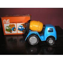 Camiones Antiguos:mezclador-grúa Ymudanza Decada 60 Lupetoys