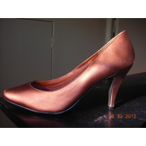 Zapatos Clásicos En Color Bronce De Cuero
