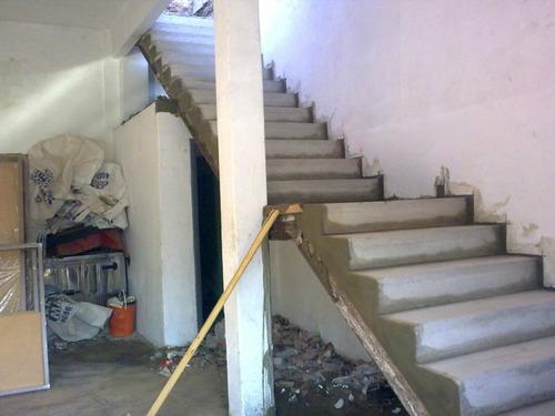 Escalera premoldeada de hormigon construcci n en seco a for Construccion de una escalera de hormigon