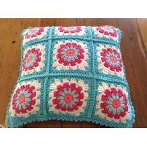 Almohadon Tejido A Mano A Crochet 35 * 35 Cm Celeste