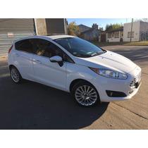 Ford Fiesta Titanium Diciembre 2014 5 Ptas Blanco