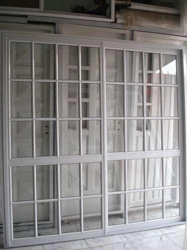 Puerta ventana balcon corrediza aluminio blanco 200x200 for Puerta balcon