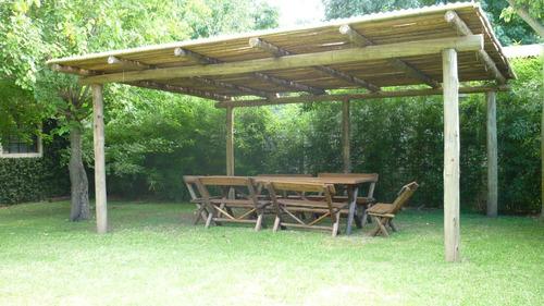 Pergola de postes madera impreg ca as y chapa instalada - Postes para pergolas ...