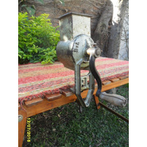 Antiguo Rayador En Fundición De Cocina Sana Sin Controlar