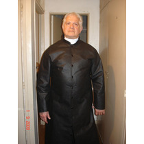 Disfraz De Cura-sacerdote-sotana En Tela Vinilica
