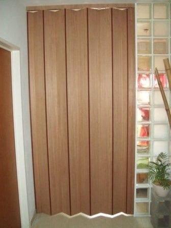 Puerta plegadiza de pvc de 090 x 200 completa - Puertas plegables de pvc ...