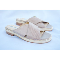 Zapato: Sandalia Cruzada De Cuero Bailo Donnet