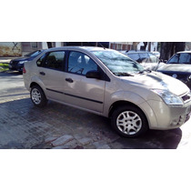 Vendo Ford Fiesta Max No Kinetic No Focus