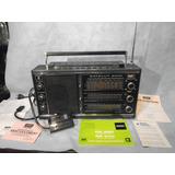 Antigua Radio Grundig Satellit 2100