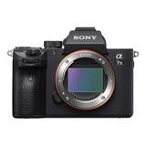 Sony Alpha 7 Iii Sin Espejo Color Negro