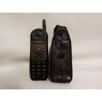 Teléfono Celular Philips Isis Vintage