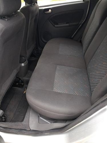 Ford Fiesta 0 Foto 10