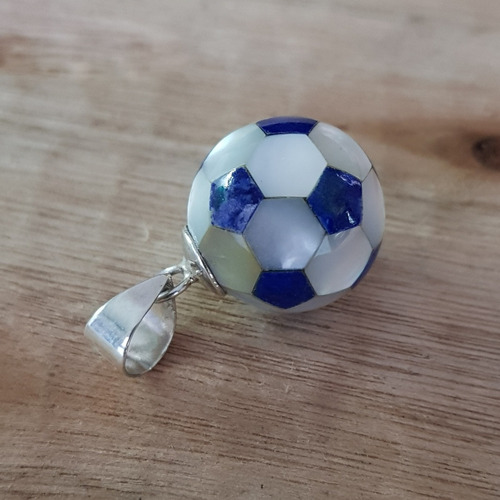 d147f5b806d7 Dije Pelota De Fútbol Piedra Lapislazuli Y Nácar Plata 925 en venta ...
