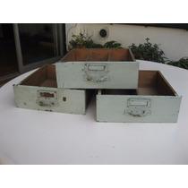 Fabrica de tiradores y herrajes para muebles muebles for Herrajes muebles antiguos