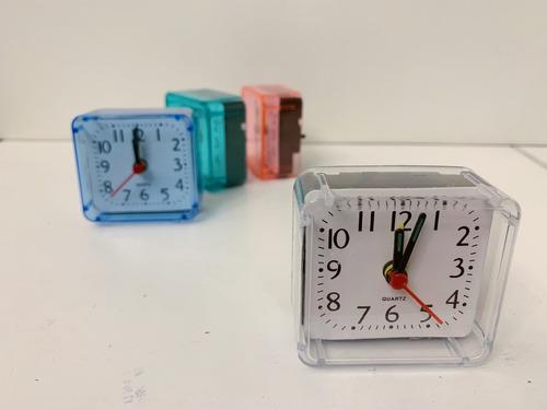 9dc429cca74e Reloj Despertador Cuadrado Con Alarma Varios Colores
