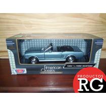 Ford Mustang 1/2 1964 Motormax American Classics 1/24