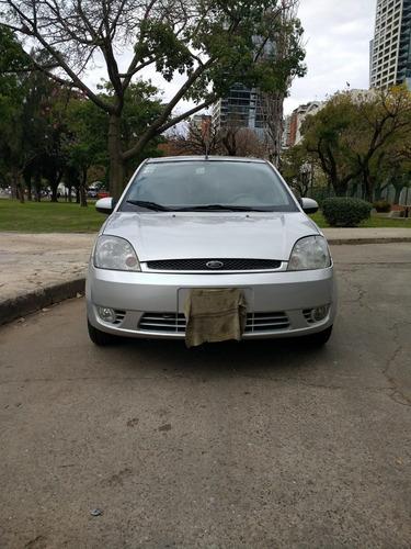 Ford Fiesta 0 Foto 1