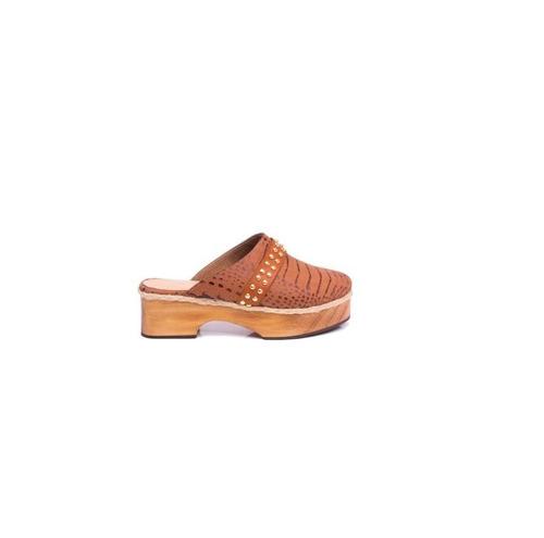 f4971ea1c Zapato Mujer Zueco Natacha Cuero Reptil Marrón  2992