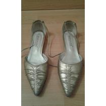 Zapatos Bajos Color Dorado Talle 37.