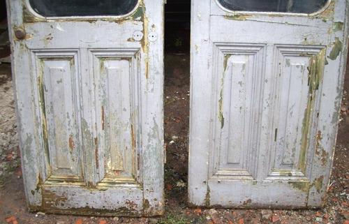 antigua puerta de madera para restaurar puertas y