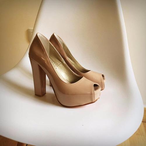 Stilettos Zapatos Taco Palo Acharolado Negro Fiesta ! Nude Y. Precio     2490 Ver en MercadoLibre fbdd1ccfdfcb