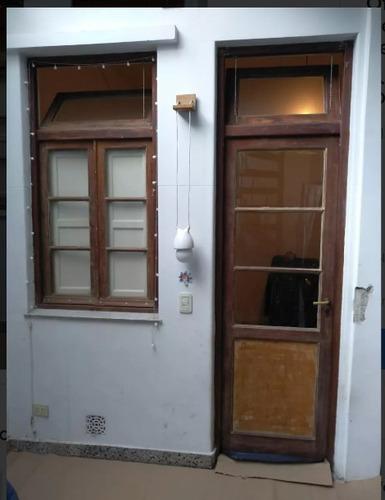 Puerta Y Ventana De Madera Vidrio Repartido En Venta En Belgrano