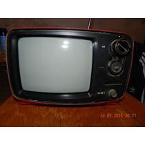 Tv Blanco Y Negro Hitachi Funcionando