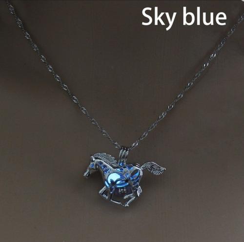 cb05360aaf17 Caballo Creativo Aleación Luminosa Colgante Collar De Plata
